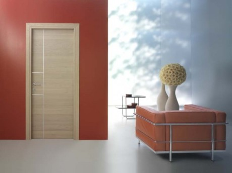 red_wall_neutral_door_i